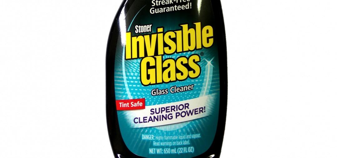 Le Nettoyant vitres Stoner Invisible Glass fait parti des meilleurs produits pour le nettoyage des vitres