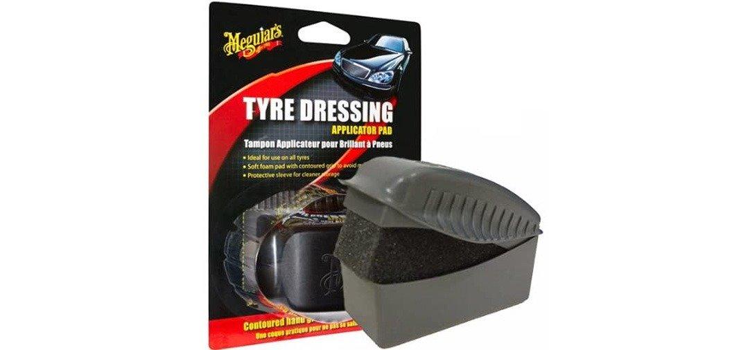 Le Tampon Applicateur Pneus de Meguiar's est parfait pour appliquer un brillant pneus