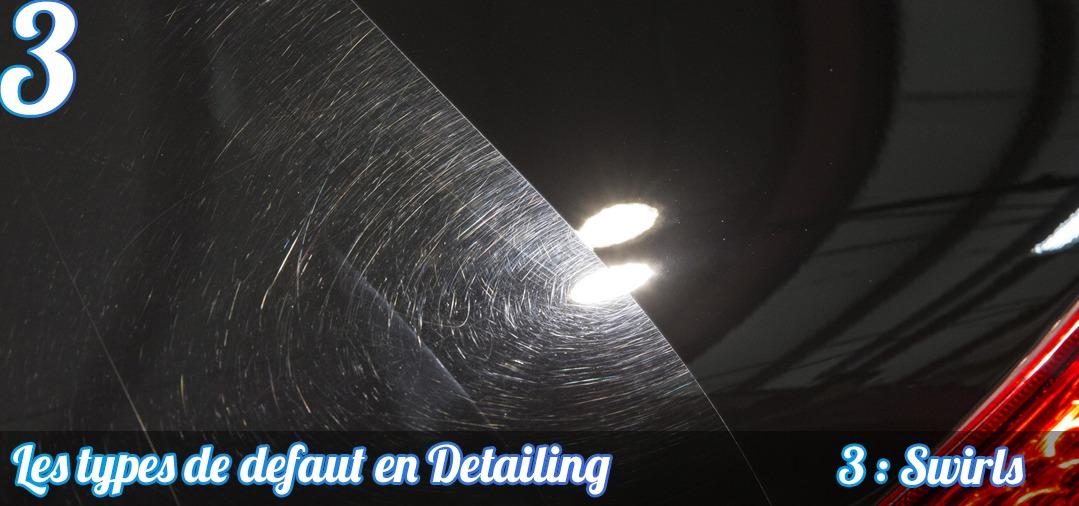 Les Swirls ou Micro Rayures sont les défauts les plus courants constatés sur les carrosseries. Cette image présente une zone très micro rayée et une zone totalement corrigée, laissant apparaître un beau noir profond.