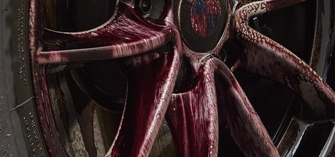 Le Sonax Xtrem Wheel Cleaner Plus est également un décontaminant ferreux. Son action est très puissante sur la poussière de freins sur les jantes. Le rinçage est très facile.