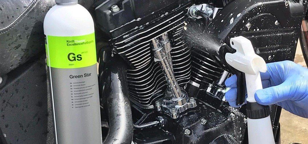 Un APC peut s'utiliser sur de nombreuses surfaces, comme sur les différentes parties d'un moteur ou sur des plastiques